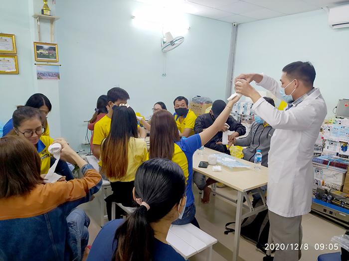 Huấn Luyện Kỹ Năng Sơ Cấp Cứu Cho Người Lao Động Tại Dony Chất Lượng Cao
