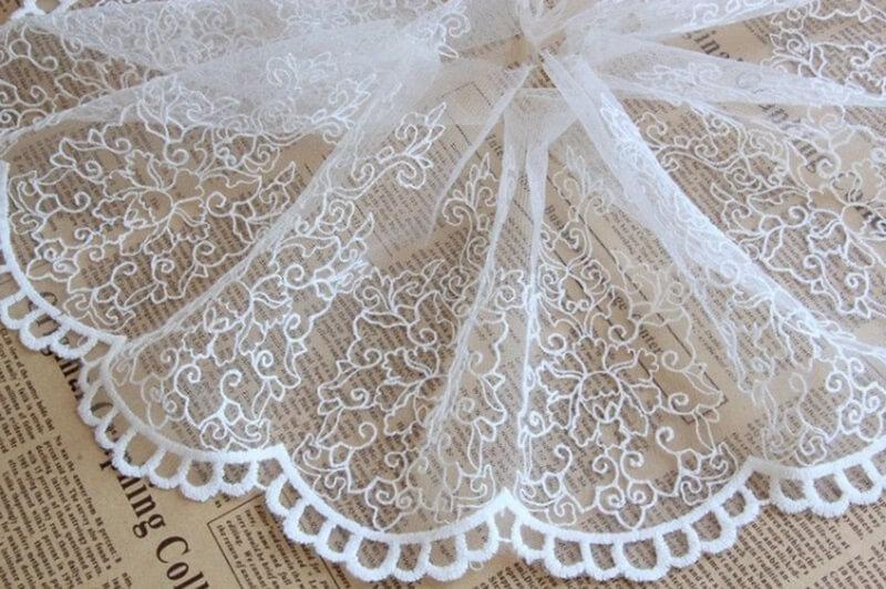 Vải Ren Là Chất Liệu Lý Tưởng Để May Váy Cưới Cô Dâu