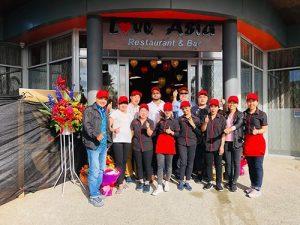 May Đồng Phục Nhà Hàng Love Asia Tại Auckland, New Zealand Đẹp Nhất