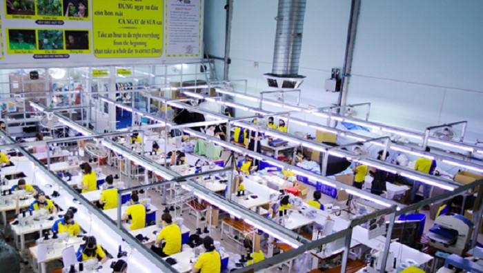 Xưởng chuyên may quần áo đồng phục bảo hộ lao động thời trang giá rẻ