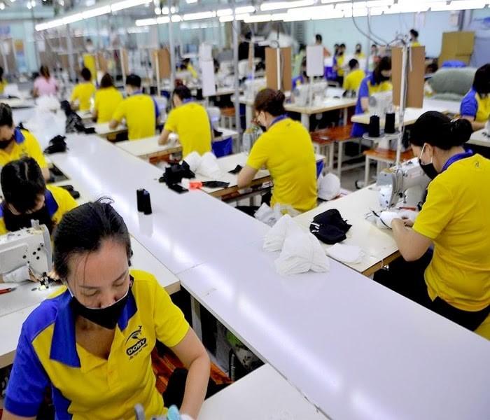 Tại Sao Bạn Nên Lựa Chọn Xưởng May Váy Đầm Thời Trang Dony Để Đặt Hàng