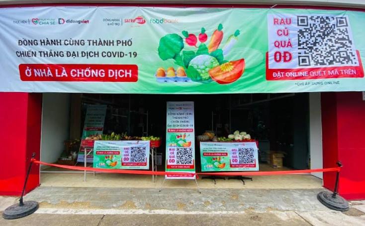 Một Cửa Hàng Điện Thoại Chuyển Sang Bán Rau Củ Đồng Giá Ở Quận 12, Tp Hồ Chí Minh. Ảnh: Đạt Nguyễn.